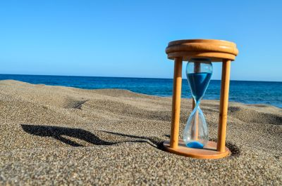 MNG Hourglass on beach.jpg